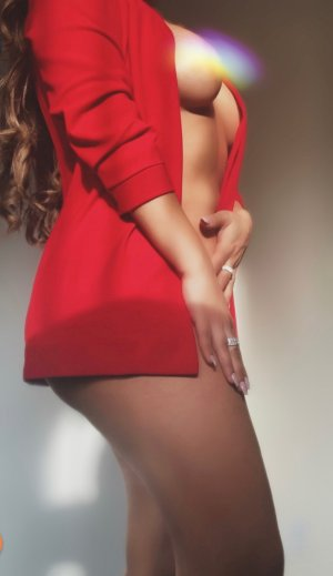 Melitine black escort girl