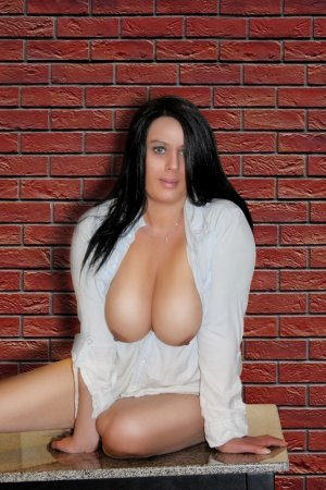 Afrah outcall escorts in Lake Jackson